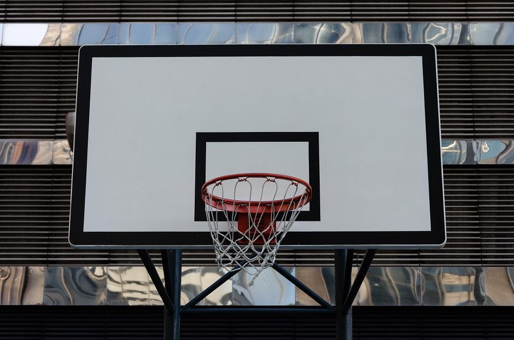 Strategia cotelor mari si mici in meciurile de baschet