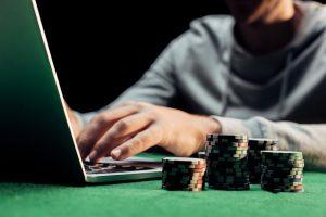 Cum joci Texas Holdem inainte de a urma flop-ul