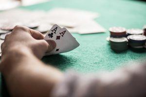 Invata in 10 minute cum sa gestionezi banii la Texas Holdem