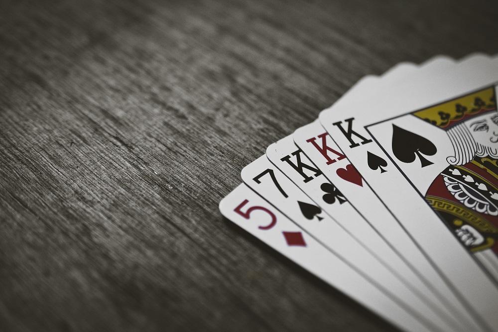 Omaha Hi-Lo o varinta superba de poker pentru pasionati