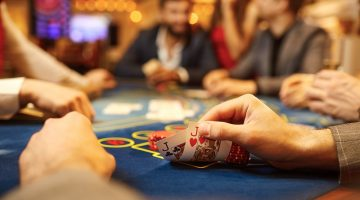 Care sunt cele mai bune locuri de jucat poker pe bani reali