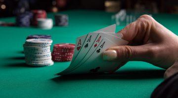 Care sunt primele doua etape ale pokerului cu 7 carti