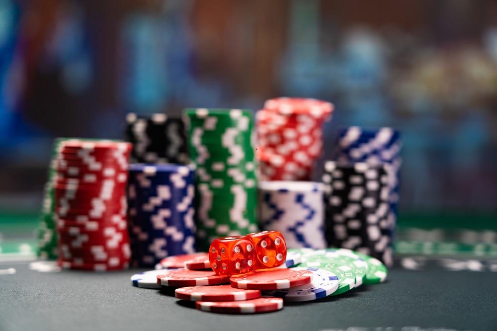 Ce alte variante de poker cu 7 carti avem la dispozitie