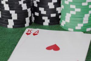 Cum folosesti cacealmaua la poker pe greseala adversarului