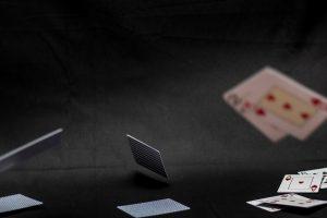 Cum sa invingi un jucator agresiv la poker