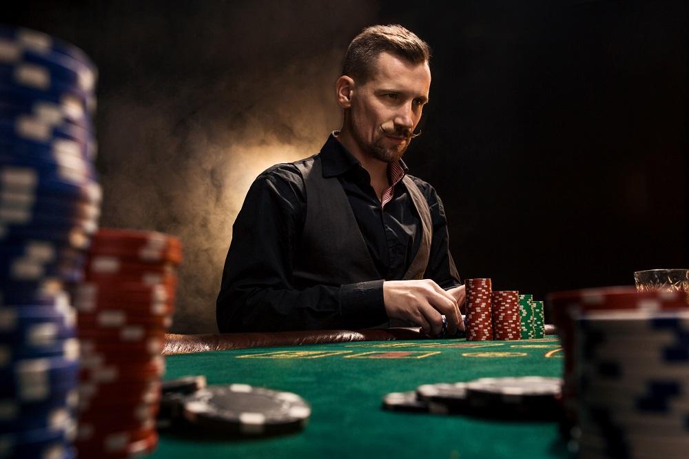 Cum sa ne concentram mai bine pe scopul mainii la poker