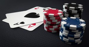 Cum se calculeaza si coreleaza varianta in poker pe bani