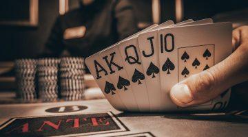 Lipsa de incredere nu te ajuta sa castigi la mesele de poker
