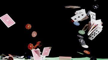 Principii si reguli de baza ale pokerului jucat cu 7 carti