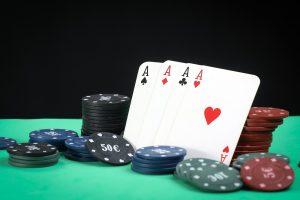 Rundele de pariere disponibile la pokerul cu 7 carti