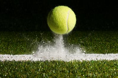 Pariaza la tenis de camp folosind statisticile relevante
