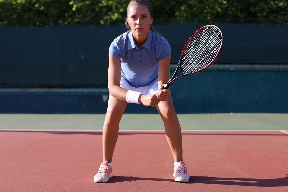 Strategie tenis camp bazata pe studiul factorilor esentiali